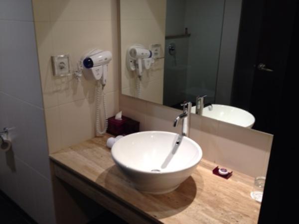 クエストホテルクタ室内水回り画像