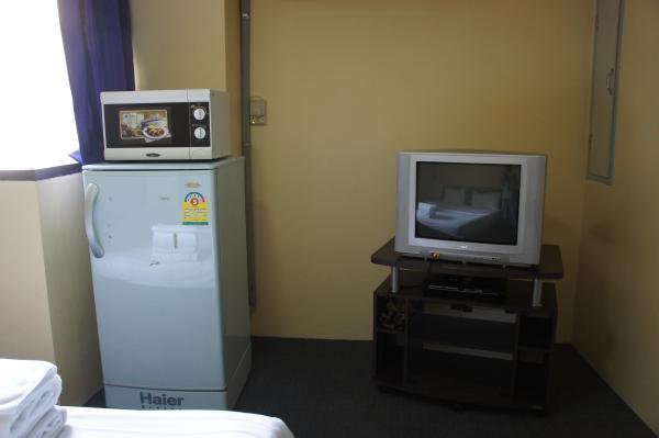 キング ロイヤル ガーデン イン室内冷蔵庫・電子レンジ・テレビ画像