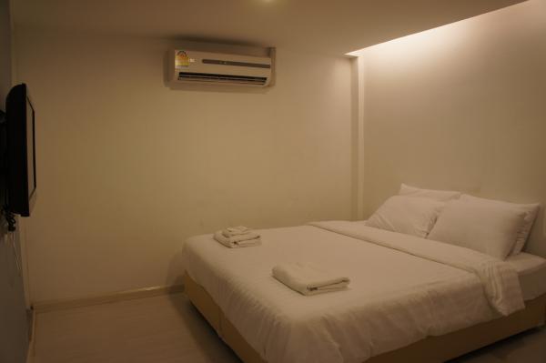 ナントラスクンビット39室内ベッド画像