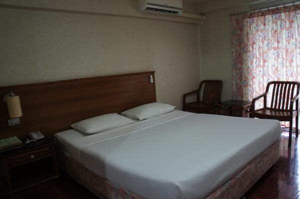 ワタナホテル室内ベッド画像