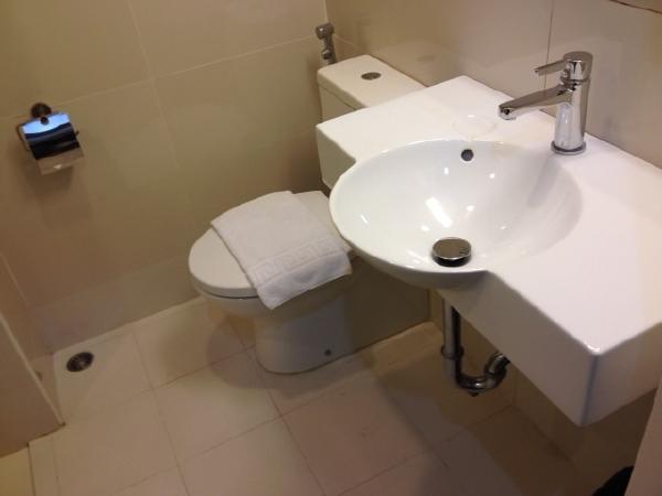 チューンホテルエルミタマニラ室内トイレ・水回り画像