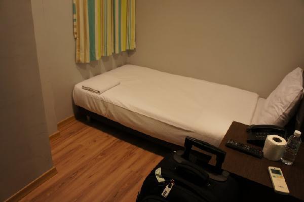 ル ホテル カーペンター ストリート室内ベッド画像