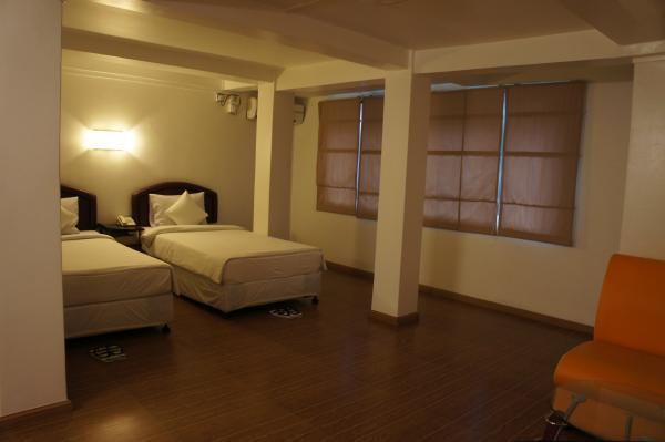 クローバーホテル室内ベッド画像