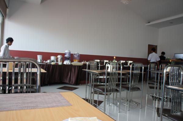 クローバーホテルレストランビュッフェ画像