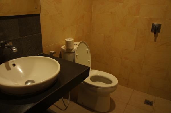 ホテル ジェントラ ジョグジャカルタトイレ画像