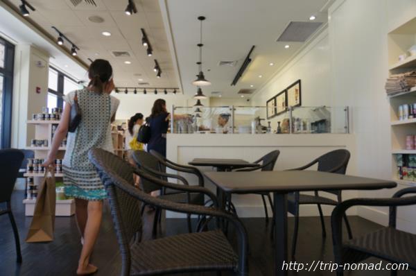 『アイランド・ヴィンテージ・コーヒー』コオリナ店店内画像