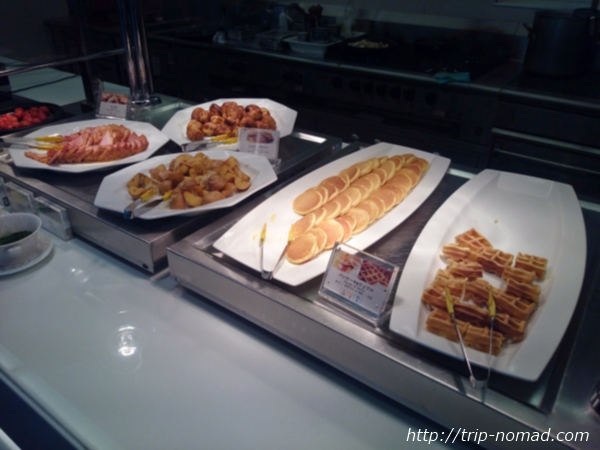 大阪マリオット都ホテル朝食「COOKA(クーカ)」ビュッフェ・ワッフルやパンケーキ画像