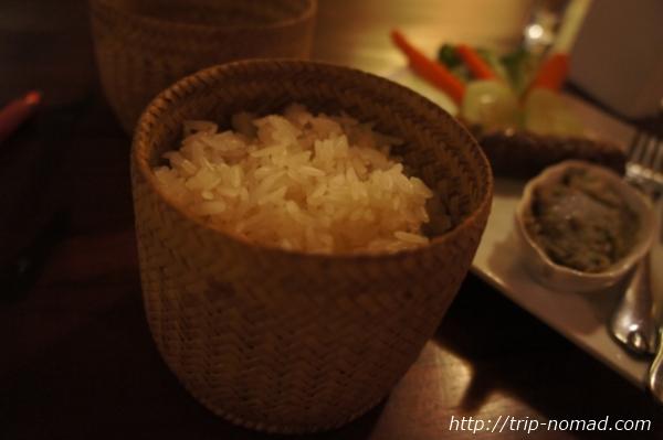 『ラオスのローカル料理』カオニャオ画像