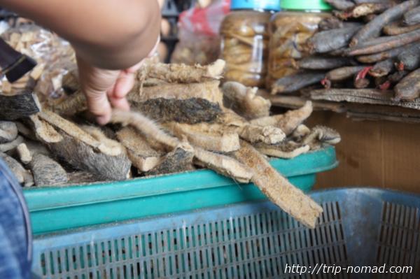『タラート・サオ市場』毛の付いた皮膚画像画像