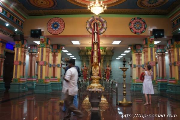 『スリ・マリアマン寺院』寺院内画像