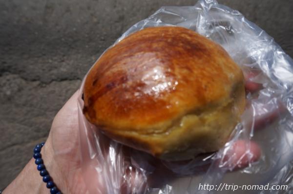 リストビャンカ・バイカル湖魚市場焼きたてアツアツのサモサ(サムサ)画像