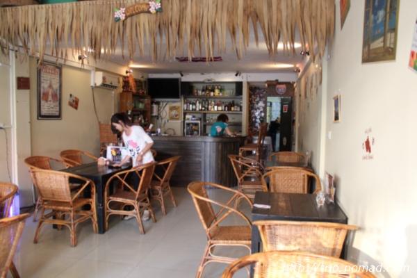 カンボジア『ALOHA ONO』店内画像