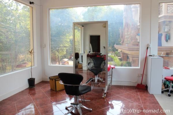 カンボジア『ヘアーサロンA』店内画像