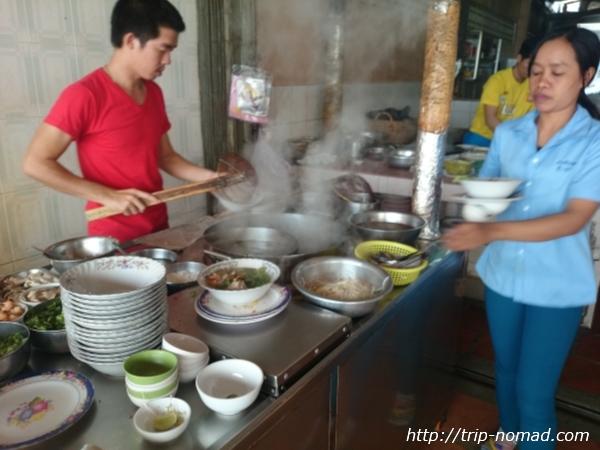 カンボジア『クイティウ』食堂画像