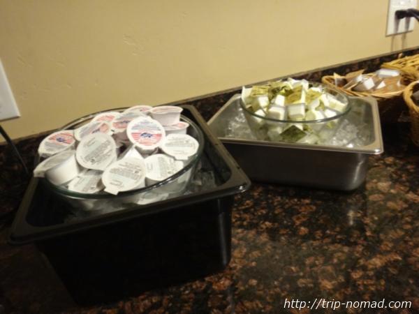アメリカ・セドナ『セドナ・リアル・イン・スイーツ』朝食バターやジャム、クリームチーズ画像