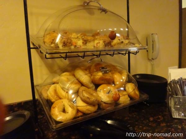 アメリカ・セドナ『セドナ・リアル・イン・スイーツ』朝食ベーグル画像