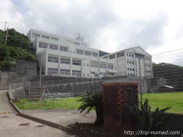 御蔵島『小中学校』画像
