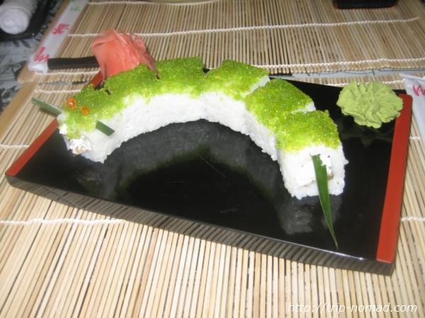 『ロシアの寿司』芋虫ロール画像