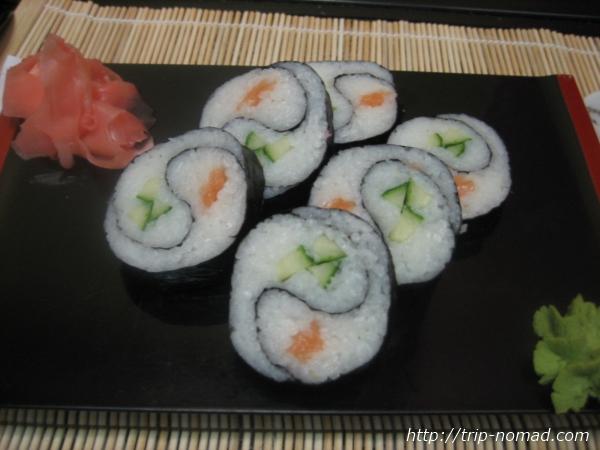 『ロシアの寿司』「イン・ヤン・ロール」画像