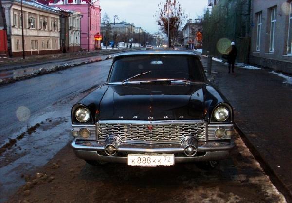 ロシア車『チャイカ』画像