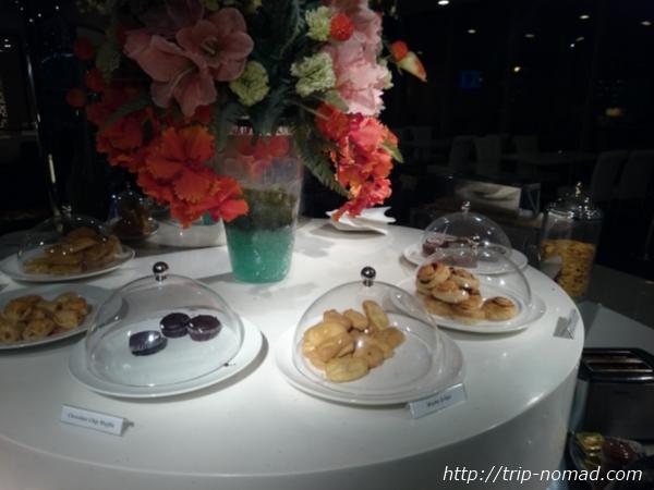 バンコク・スワンナプーム国際空港ラウンジ軽食・スナック画像