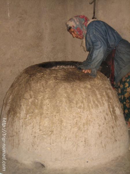 『トルクメニスタン』パン窯画像