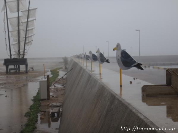 『瀬戸内国際芸術祭』「カモメの駐車場」画像