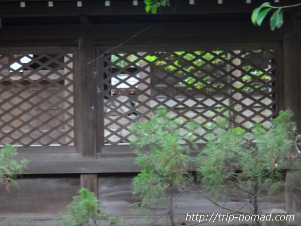 『伊弉諾神宮』本殿の中にある石画像