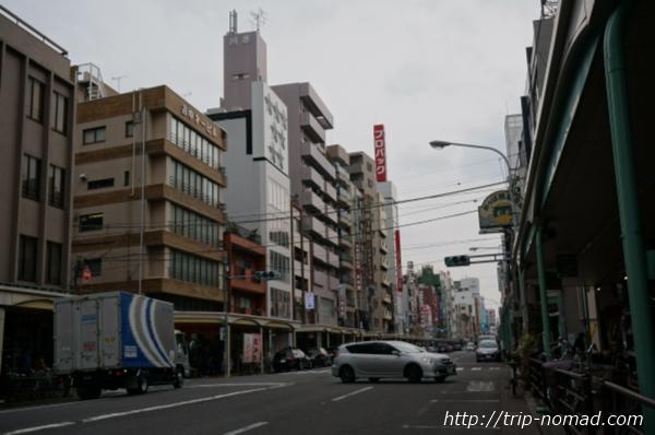東京浅草「かっぱ橋道具街」『商店街街並み』画像
