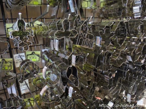 東京浅草「かっぱ橋道具街」『馬嶋屋菓子道具店』お菓子金型画像