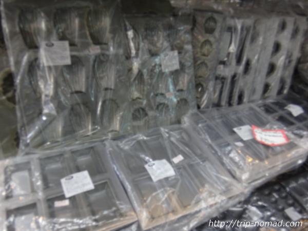 東京浅草「かっぱ橋道具街」『吉田菓子道具店』マドレーヌやフィナンシェなどの焼き菓子の型画像