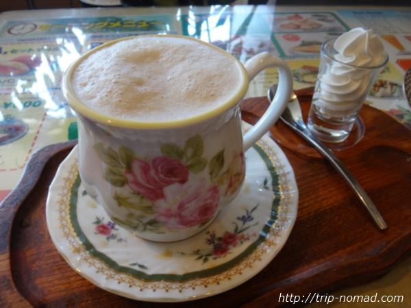『喫茶ツヅキ』カフェオレ画像
