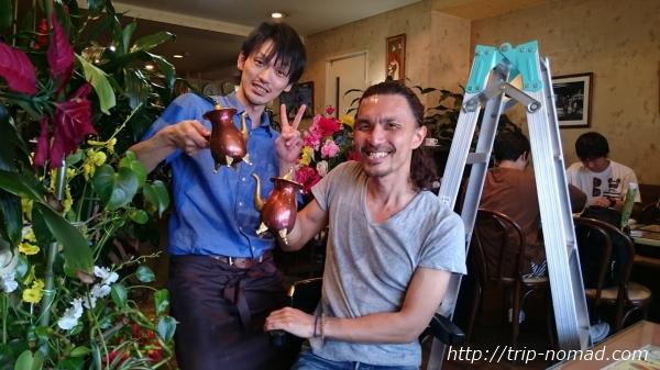 『喫茶ツヅキ』お兄さんと記念撮影画像