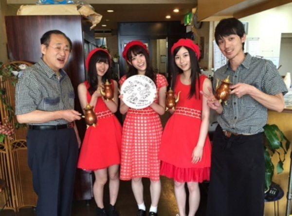 『喫茶ツヅキ』に「乃木坂46時間TV」撮影で来店した「乃木坂46」メンバーさゆりんご軍団画像