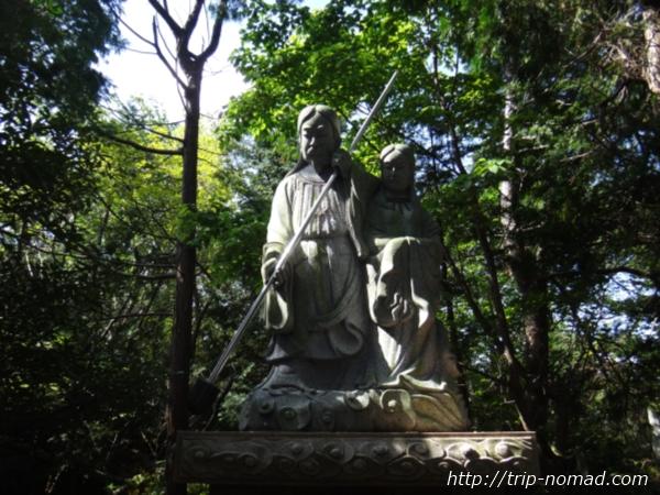 沼島『おのころ神社』イザナギさんとイザナミさん銅像画像