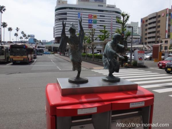 徳島駅前『「阿波踊り」のオブジェ』画像