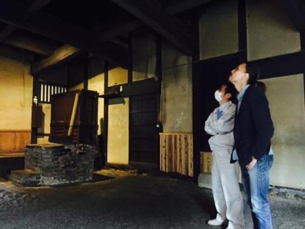 愛媛県宇和島市『古民家』與那原浩氏画像