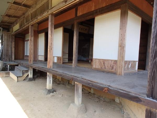愛媛県宇和島市『古民家與那原家』廊下画像
