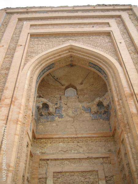 トルクメニスタン世界遺産『クフナ・ウルゲンチ』トレベクハニム廟入り口のアーチ画像