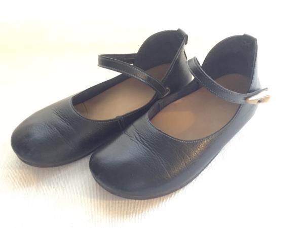 『女子旅おすすめアイテム』「Belle&Sofaやさしい靴工房:株式会社ベル」さんの『特許ナチュラルストラップシューズ アイリー』全体像画像