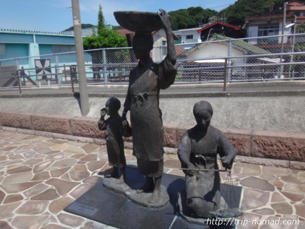 JR指宿枕崎線の枕崎駅の「山幸彦とかつお節行商の像」