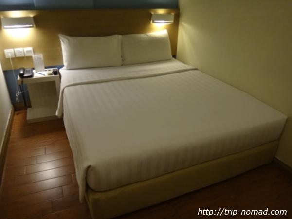 『ホテル セントラル クアラルンプール』ベッド