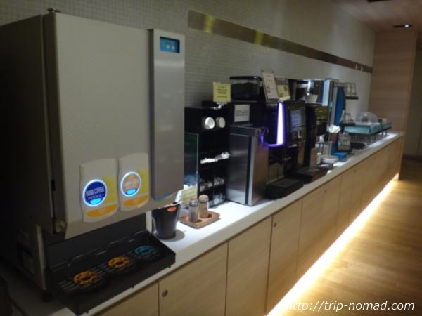 『神戸元町東急REIホテル』ゲストラウンジフリードリンクコーナー