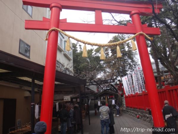 『千代保稲荷神社』入口鳥居