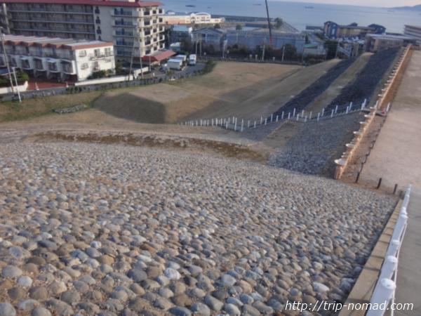 神戸『五色塚古墳』に敷き詰められた石