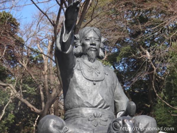 『保久良神社』椎根津彦命(シイネツヒコノミコト)の銅像近影