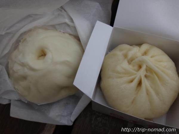 『551蓬莱』と『蓬莱本館』の豚まん食べ比べ