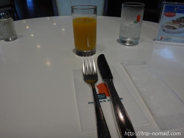 京都『イノダコーヒ』本店「京の朝食」のオレンジジュース
