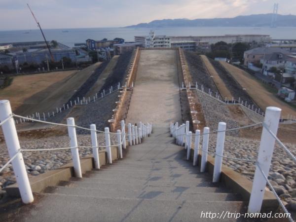 『五色塚古墳』から見える明石海峡大橋