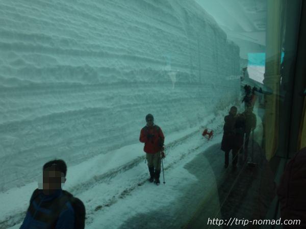 立山黒部アルペンルート『雪の大谷ウォーク』